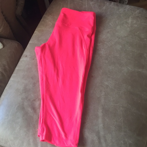 Marika Pants - Activewear Marika size M bright pink cropped